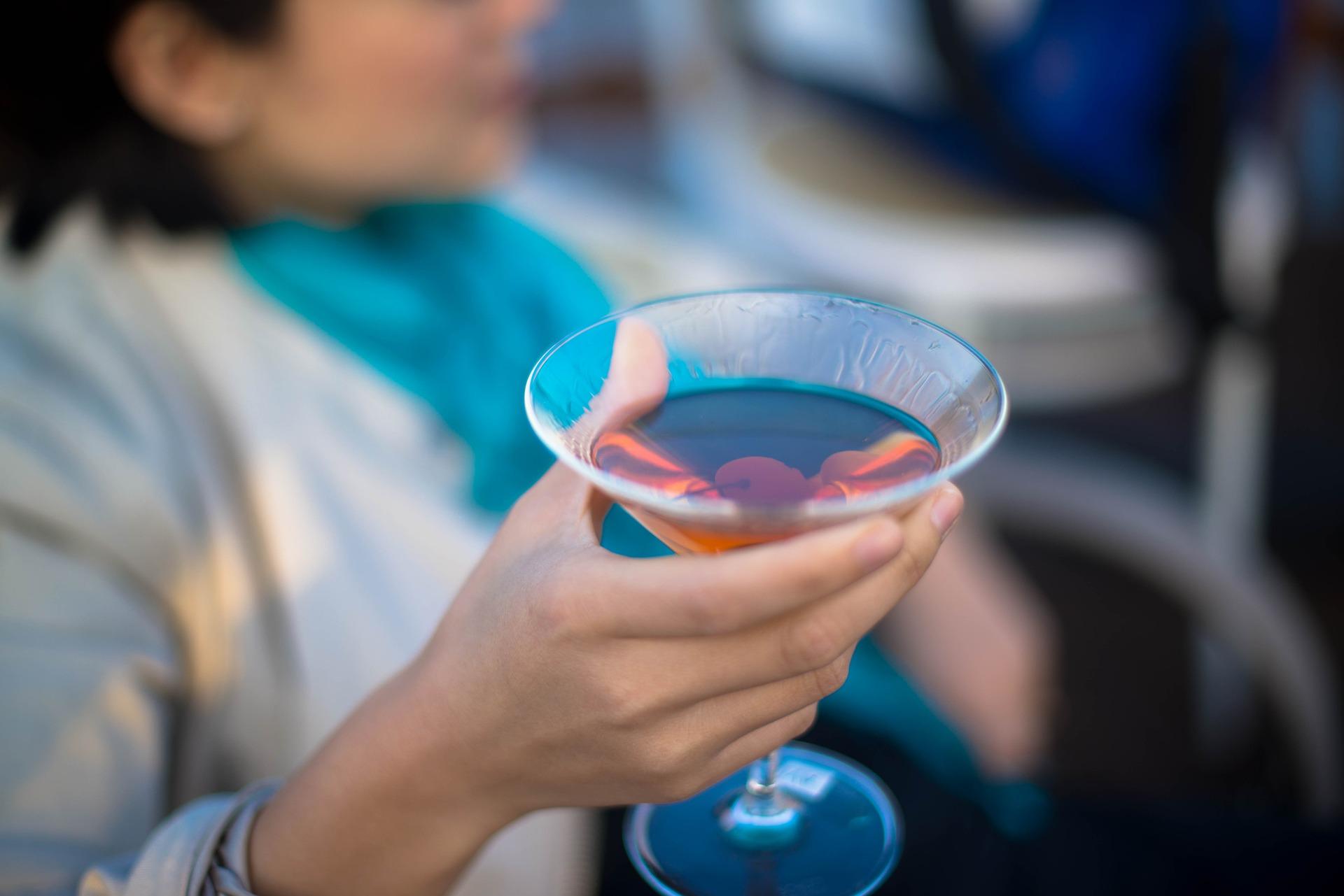 Demokratyczność alkoholizmu