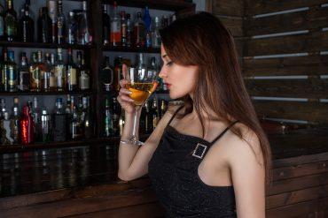 Kobieta XXI wieku. Pogłębiający się problem alkoholowy wśród kobiet